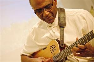 Donovan Mixon Solo Jazz Guitar