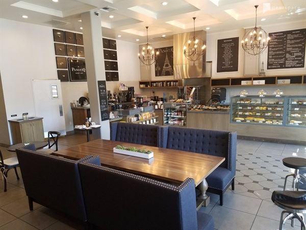 la PanotiQ Bakery Cafe