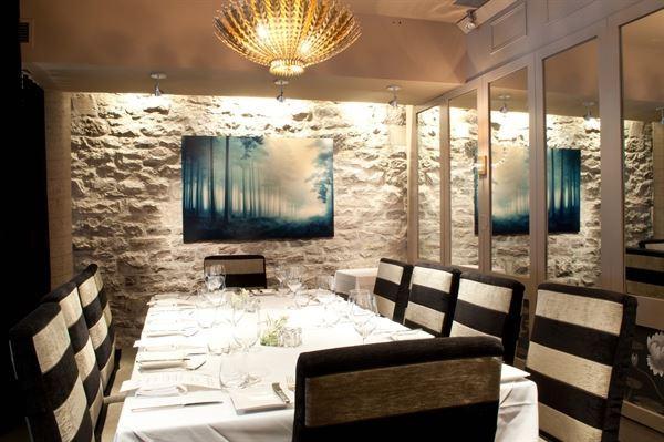 Restaurant e18hteen