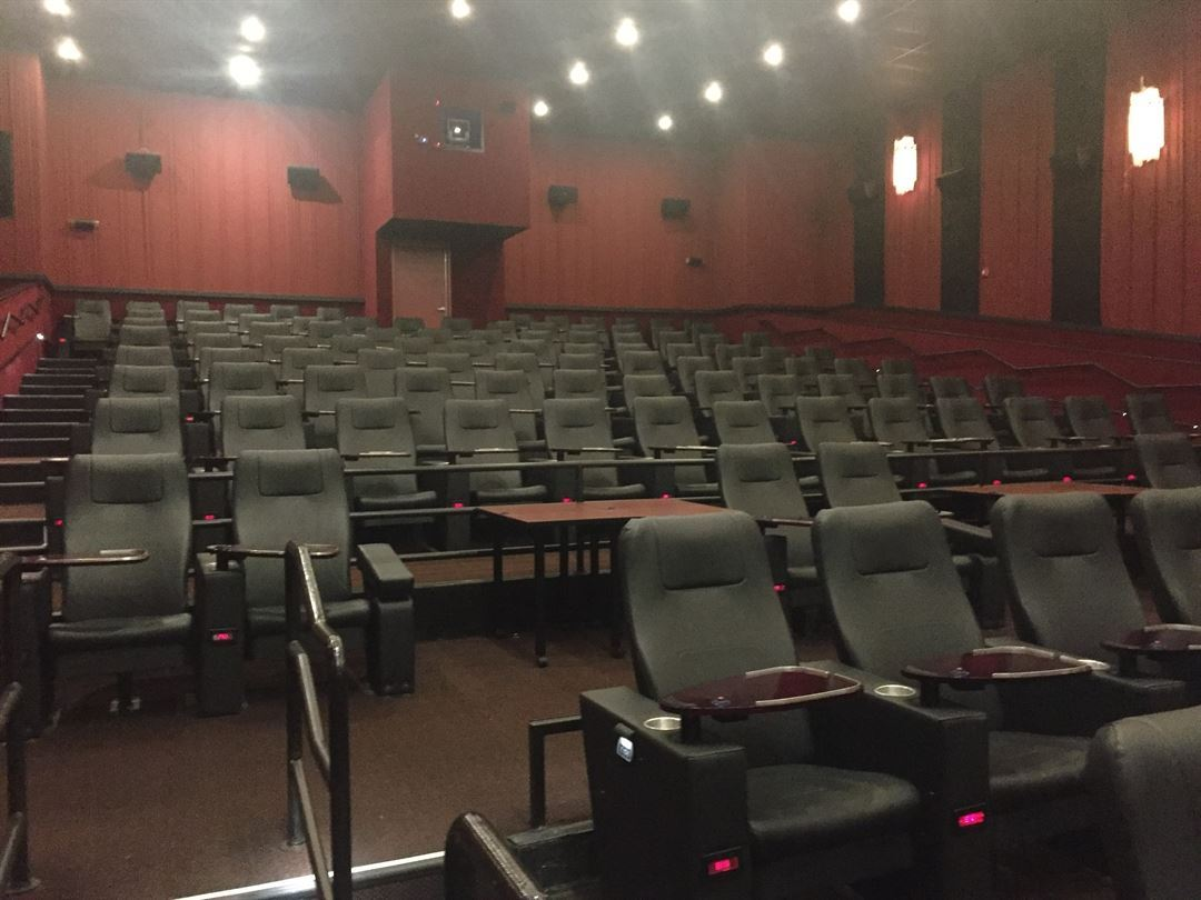Movie Tavern Sandy Plains Roswell Roswell Ga Party Venue