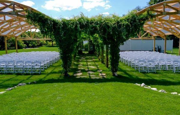 Hawthorne Gardens