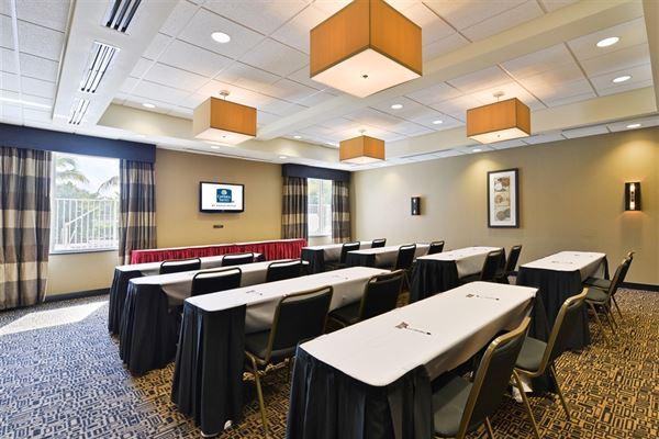 Cambria Suites Fort Lauderdale