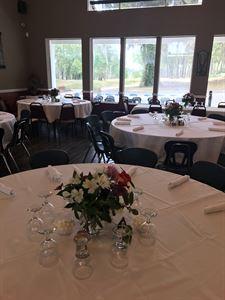 Divots Bar and Banquet
