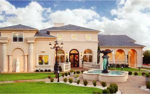 Mediterranean Villa (The Classic Gourmet)