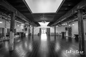 E|R Studio & Lounge