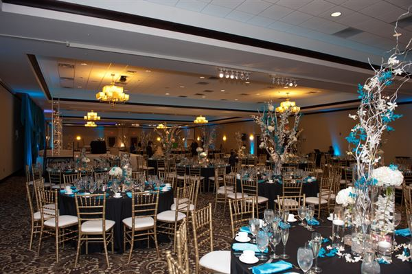 Our Grand Ballroom Is Composed Of 9 000 Square Feet E With 4 Separate Sections We Are Able To Create The Perfect Size For Your Event