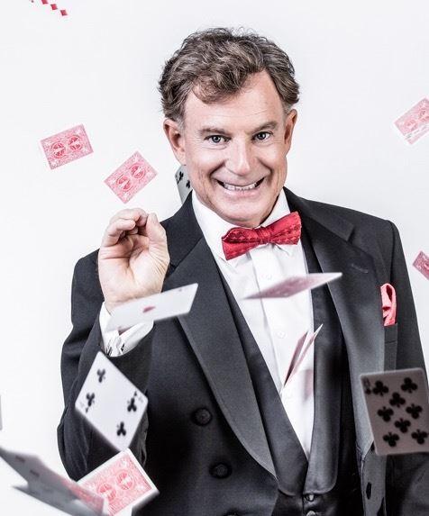 Dean Apple Magician