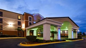 Holiday Inn Express & Suites Ridgeland
