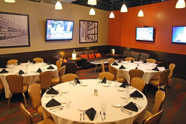 SKYBOKX 109 Sports Bar & Grill