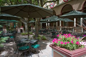 Baron's Courtyard Cafe