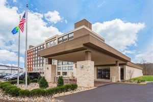 Holiday Inn Express & Suites Fort Washington