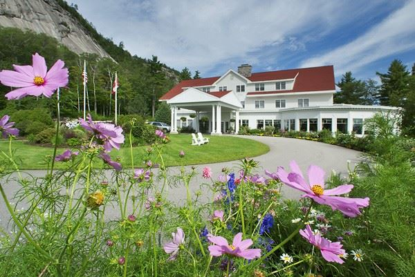 The White Mountain Hotel and Resort