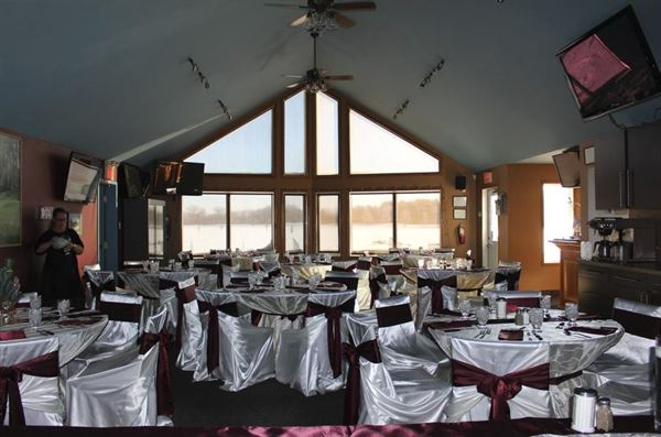 Max 80 Winnipeg >> Shooters Family Restaurant - Winnipeg, MB - Wedding Venue