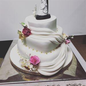 Lera's Cakes & Catering LLC