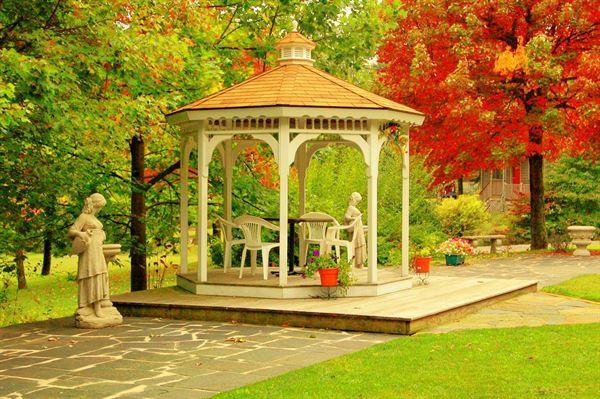 Royal Oaks Retreat