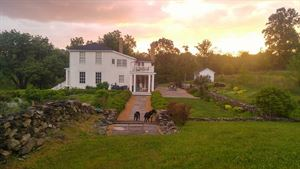 Black Dog Farm Inn at Mt. Welby