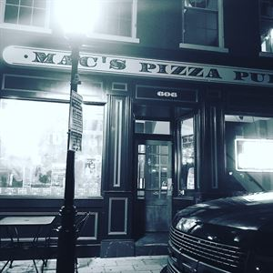 Mac's Pizza Pub