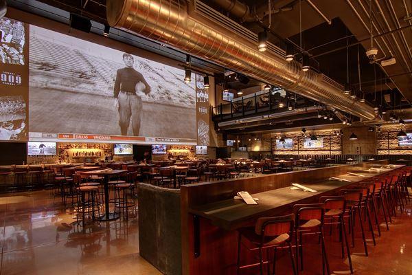 1909 Taverne Moderne - MTL