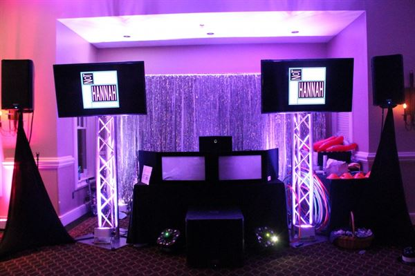 Sound Choice Events-DJ, booths, uplighting & more!