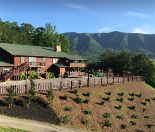 Tuckaleechee Retreat Center and Cabins