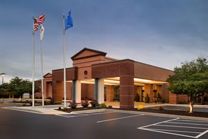 DoubleTree By Hilton Milwaukee - Brookfield Hotel