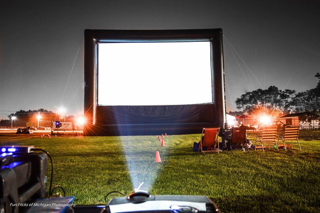 Funflicks Outdoor Movies Ohio Llc Canton Oh Entertainer