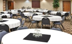 Holiday Inn Express & Suites Nampa - Idaho Center