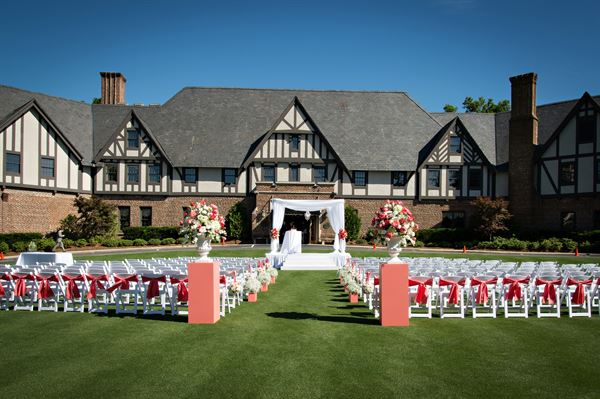 Sedgefield Country Clubu0027s Impeccably Manicured Event Lawn Along With Our  Tudor Style Clubhouse As Your Backdrop, Makes A Picturesque Ceremony  Location.