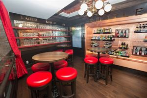 THE BOTTLE SHOP | Capacity: Cocktail 20-40 | Dining 20-40