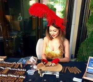 Cigar rollers | cigar Bella