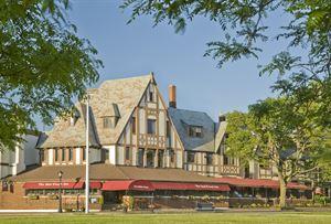 Red Coach Inn & Restaurant