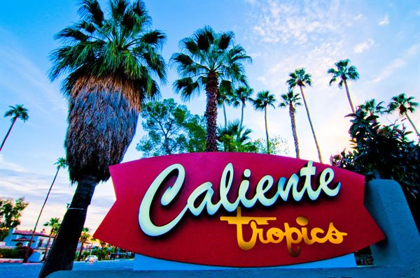 Caliente Tropics Resort