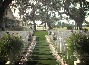 Grand Oak Courtyard