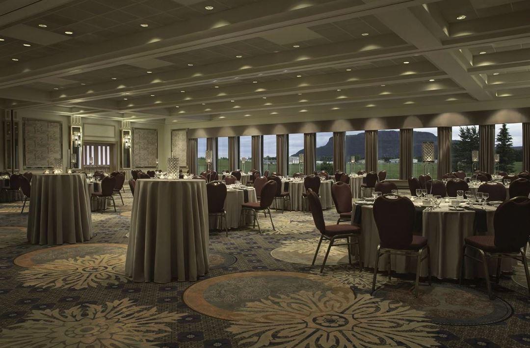 Valhalla Inn Thunder Bay On Wedding Venue