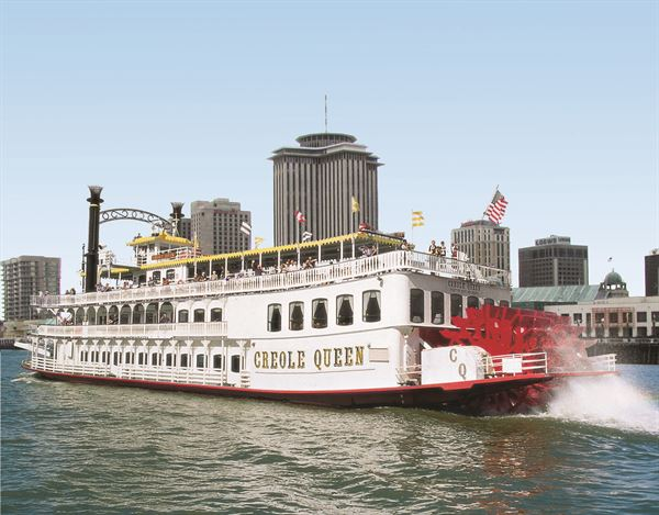 The Paddlewheeler Creole Queen