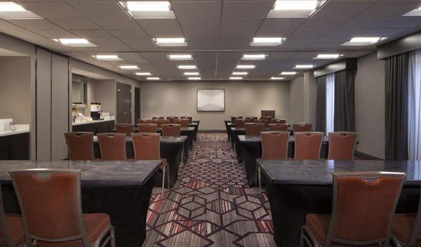 Hampton Inn & Suites Columbus Easton Area