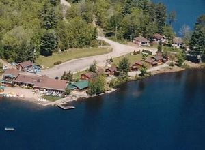 Spectackle Lake Lodge