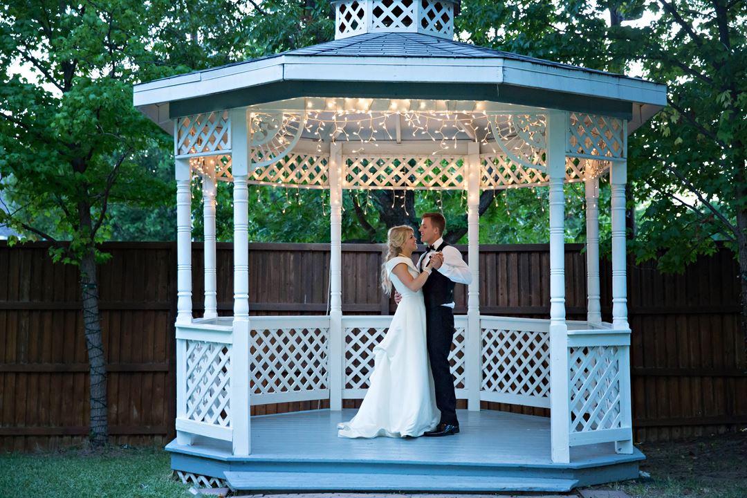 2219609 lg - Surrey House And Gardens Wedding & Reception Center Mckinney Tx