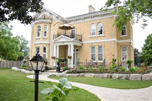 Hughson Hall Bed & Breakfast