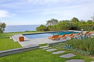 Luxury Malibu Bluff Dream