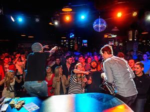 Howl At The Moon - Charlotte
