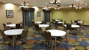 Holiday Inn Express & Suites Atascocita