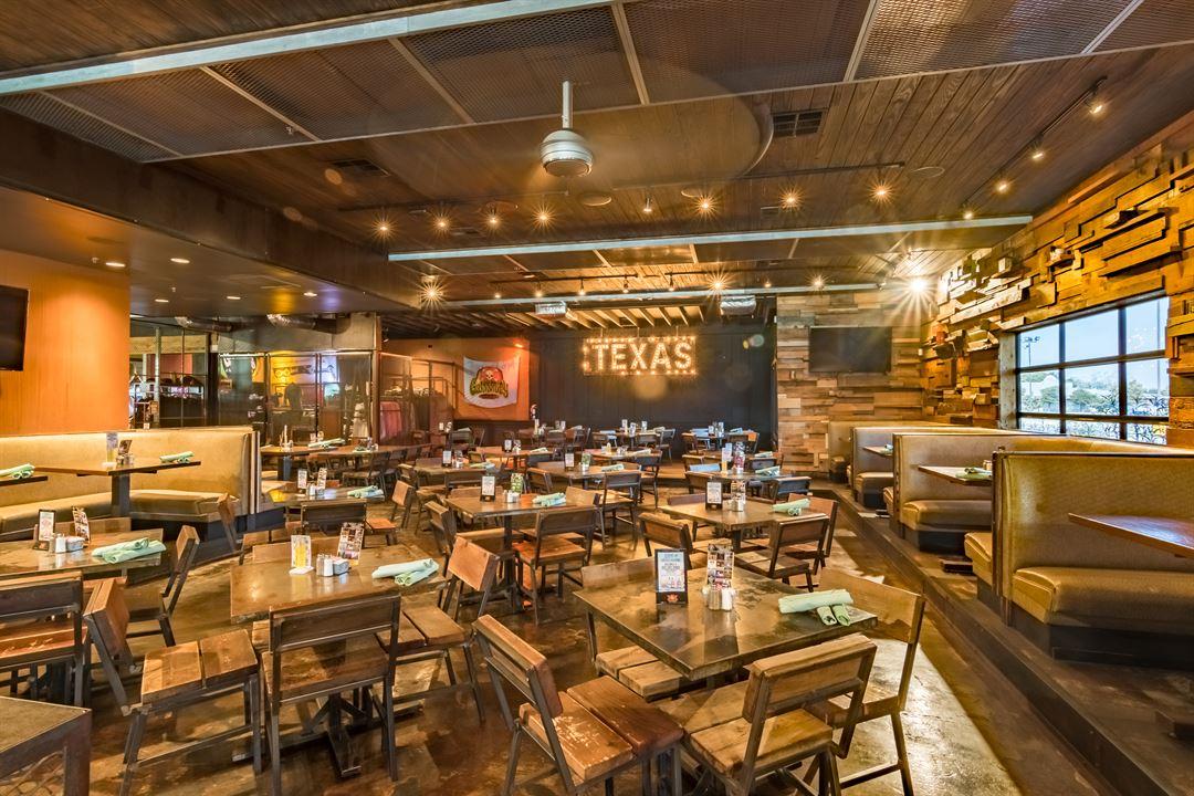 Gas Monkey Bar Grill Dallas Tx Party Venue
