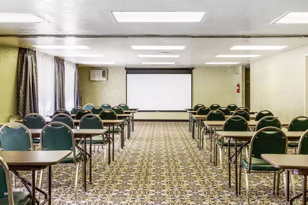Quality Inn Suites Lake Forest Lake Forest Ca Party Venue