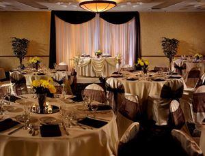 Radisson Suites Hotel Buena Park, CA