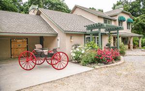 Carriage Vineyards Bed & Breakfast