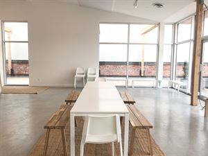 Bright and Versatile Railtown Meeting Space