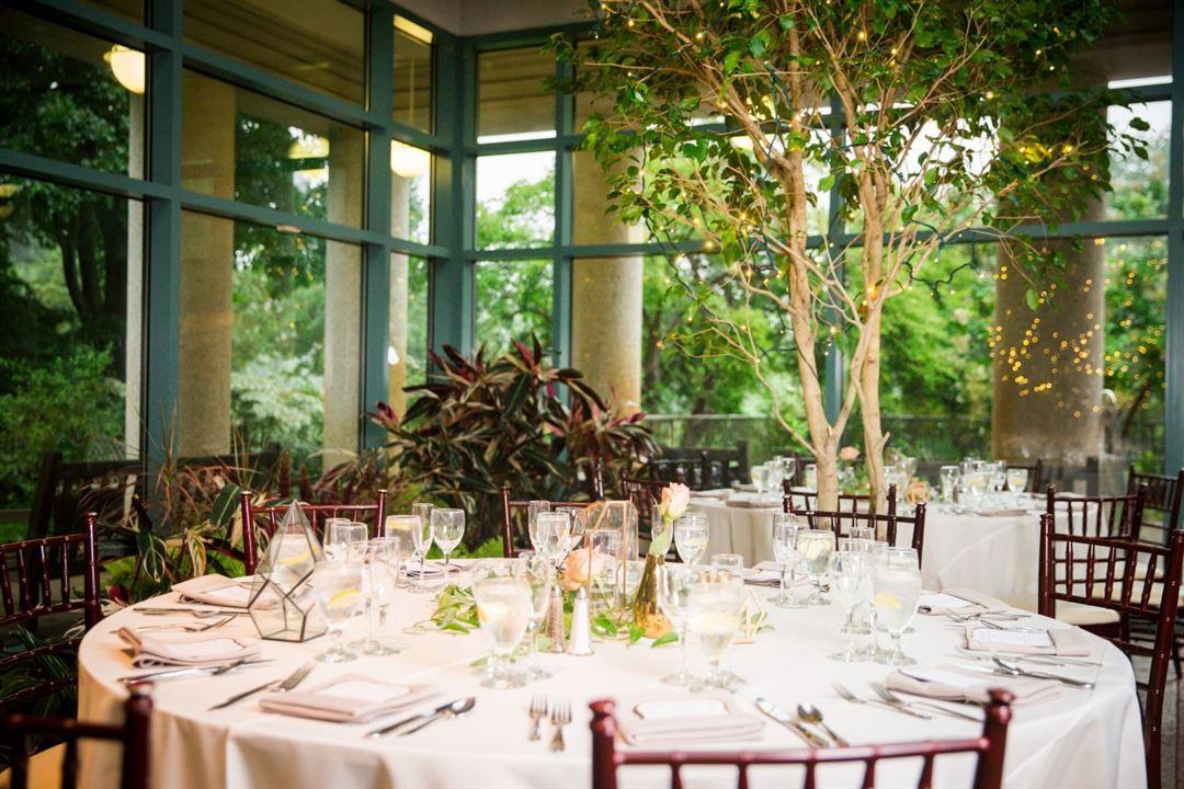 The Atrium At Meadowlark Botanical Gardens Vienna Va Wedding