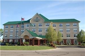 Lexington Inn & Suites - Columbus North/Polaris