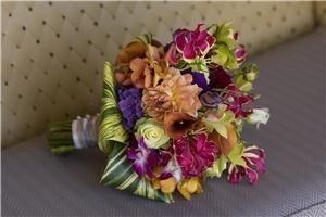 Suzan M Florals